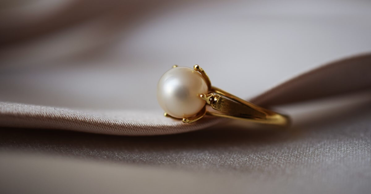 Gold-Pearl-Ring